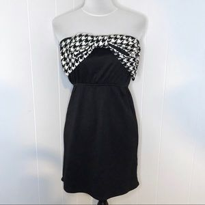 JUDITH MARCH Houndstooth Bow Front Strapless Dress